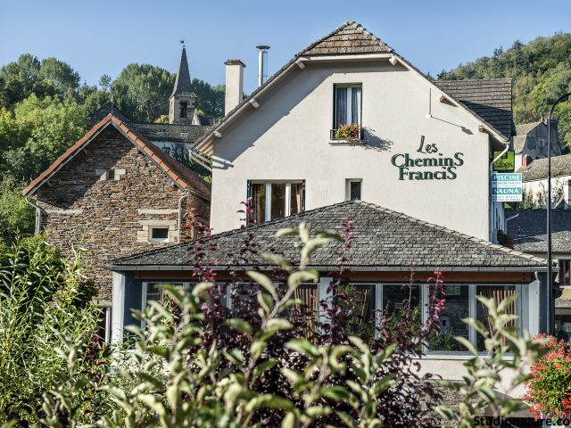 Hôtel «Les Chemins Francis»
